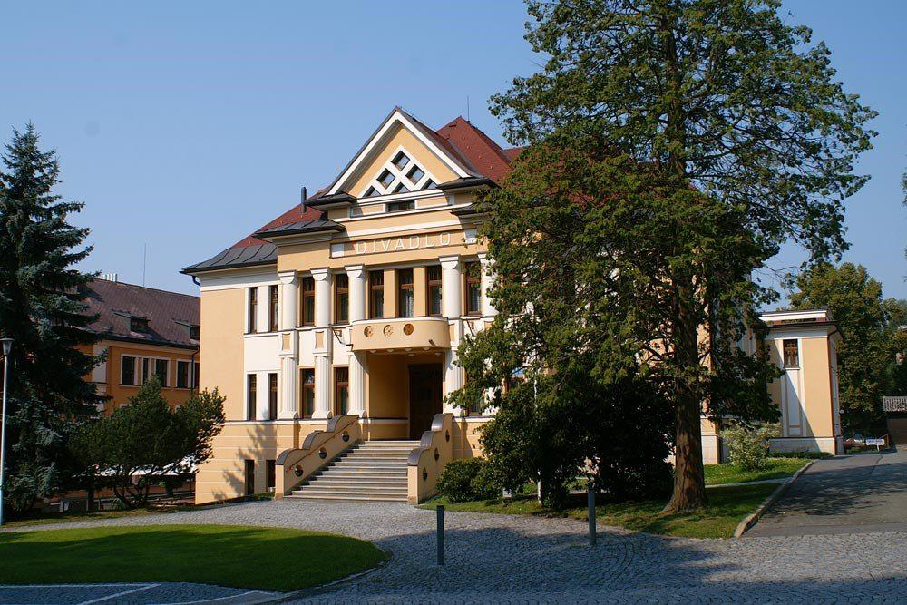 Divadlo J. K. Tyla, Červený Kostelec (CZ)